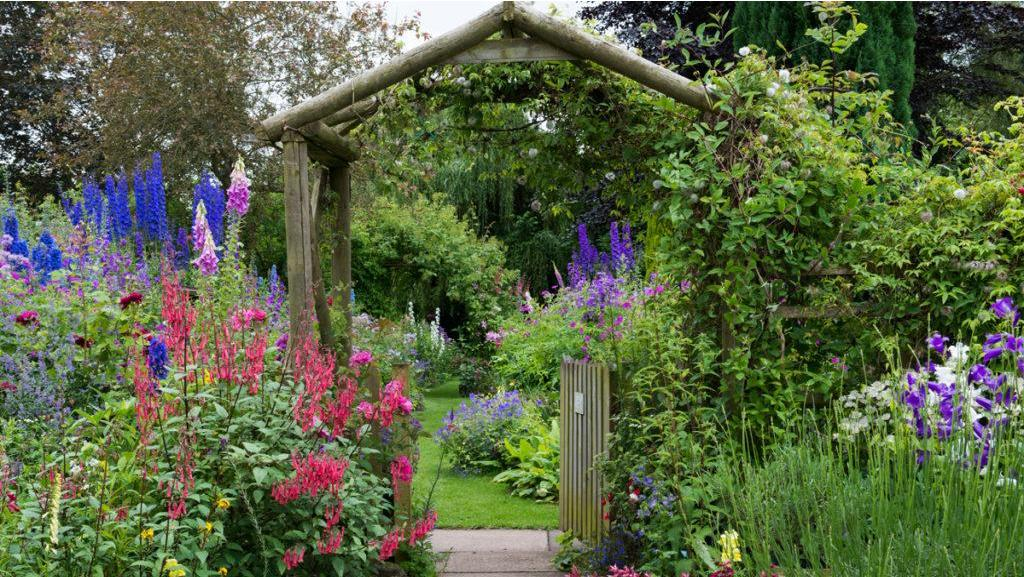 English Cottage Garden Zone 3, How To Plan A Cottage Garden From Scratch