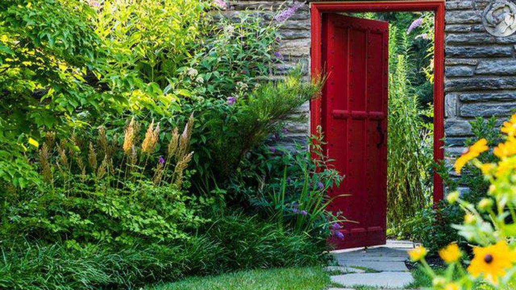 Design School: Creating Mystery in the Garden