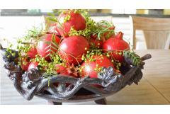 5 Fast Ways to Decorate with Pomegranates
